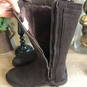 45ccee82377 Ugg Women's Elly Winter Boot BRAND NEW NWT